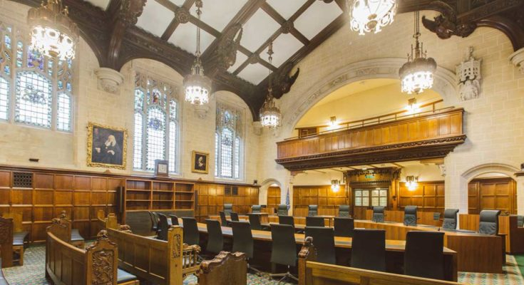 English Court of Appeal reinstates the appointment of an arbitrator on the basis that he qualifies for appointment under the arbitration clause